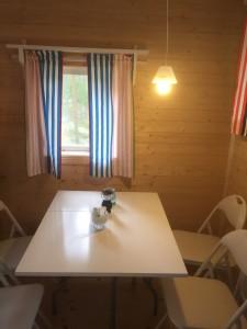 bord för sexplatser. Solcell-batteri- led lampor Led lampor  efter entren